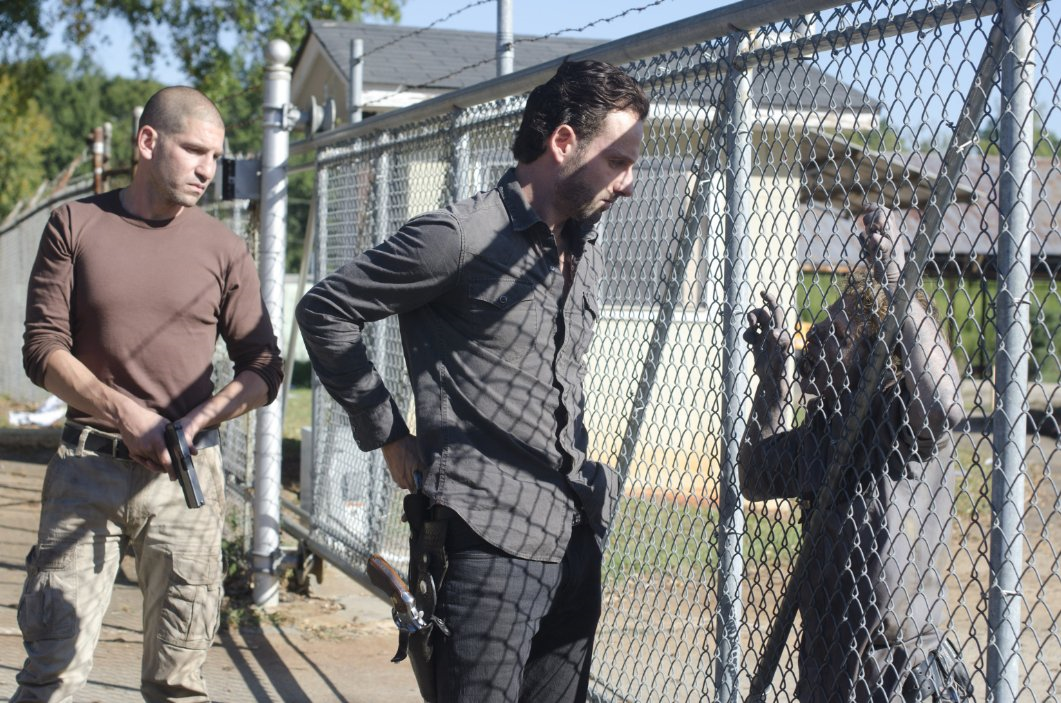 The Walking Dead Rewatch – Season 2, Episode 10 (18 Miles Out)